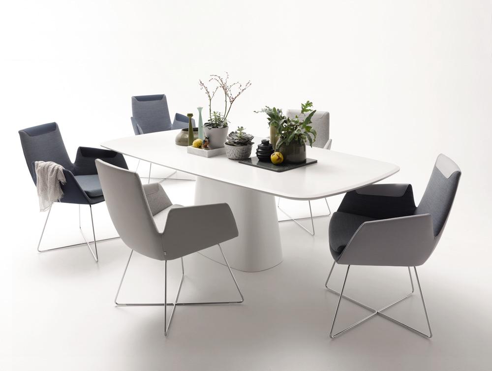 COR – Tisch & Stühle