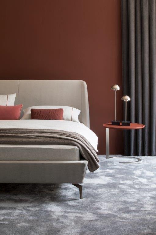 Kröncke- Bett, Beimöbel & Leuchten