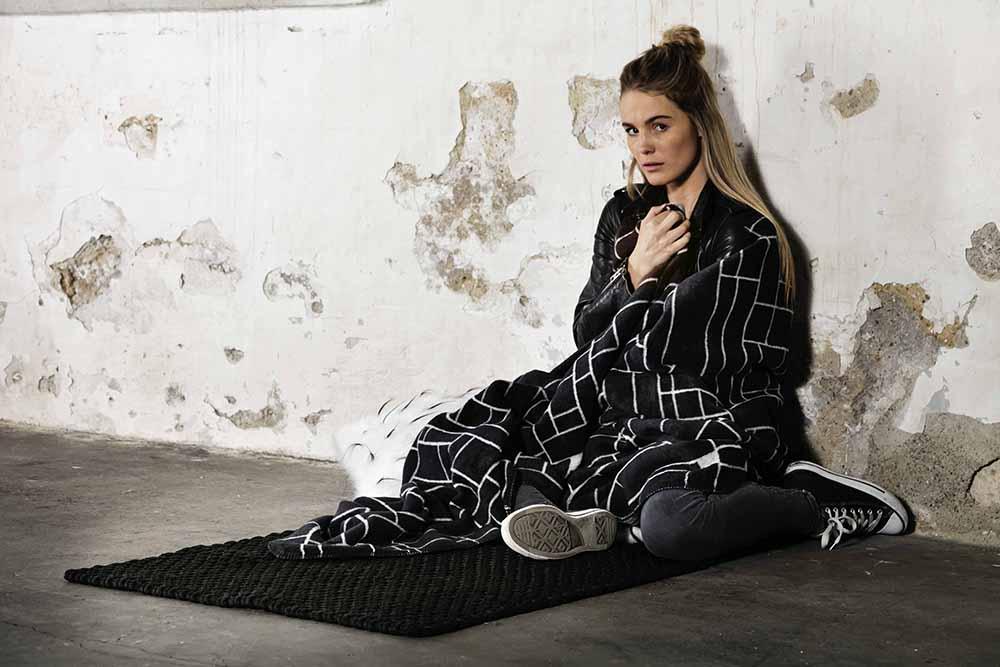 PAD – Wolldecke | Teppich